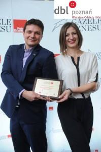 Agnieszka Kazuś-Musiał i Adam Piber odbierają nagrodę Gazeli Biznesu